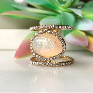 Gold Tone Double Band Shimmer Oval Ring 7
